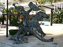 Bronze sculpture by Salvador Dalí on Avenida del Mar